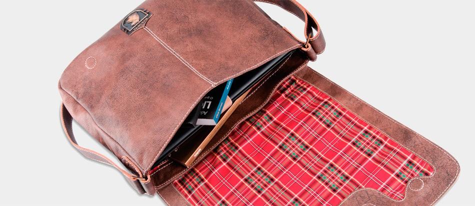 Bolsa masculina de couro para notebook estilo carteiro aberta xadrez